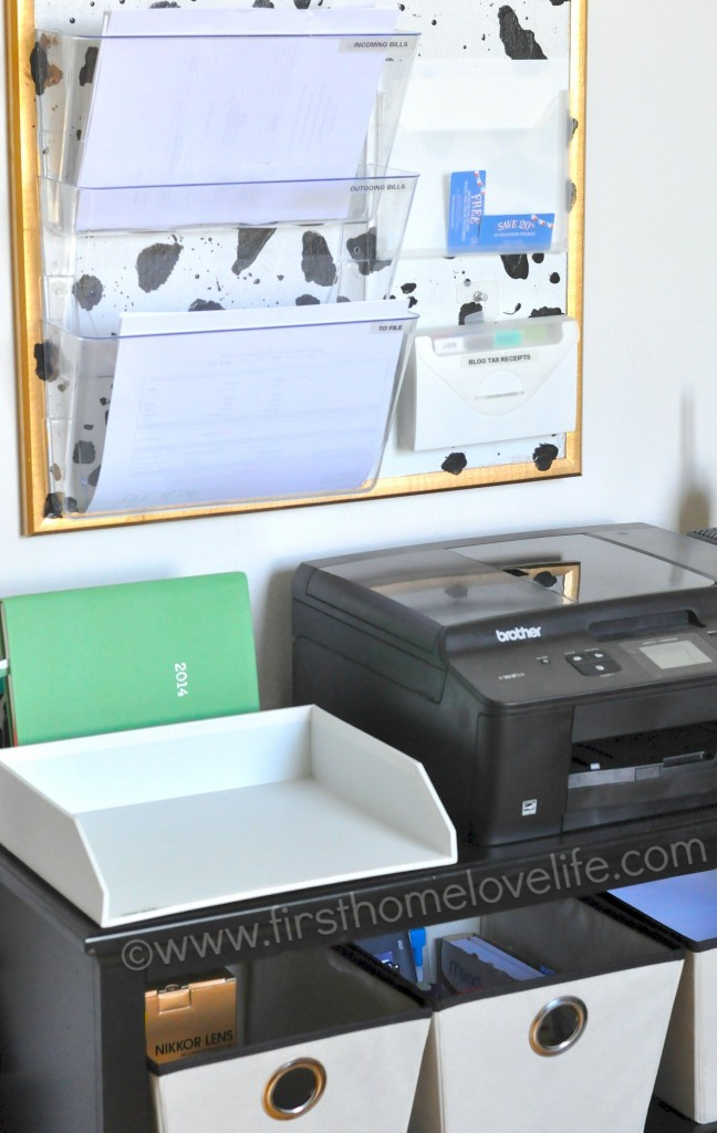 Learn how to set up a mail and bill payment center in your home. Keep track of your bills, and control the paper clutter for good! #diy #organize #organizing #organized via firsthomelovelife.com