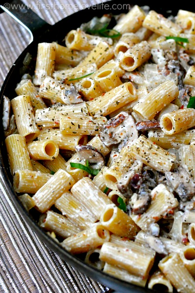 Pasta With Bacon And Mushrooms Recipe — Dishmaps