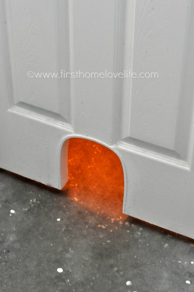 Keep Your Catu0027s Litter Box Hidden But Easily Accessible With This DIY Cat  Potty Door Cut