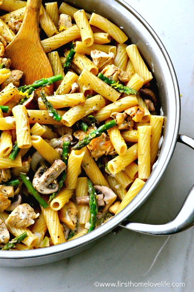 easy creamy lemon chicken pasta via www.firsthomelovelife.com