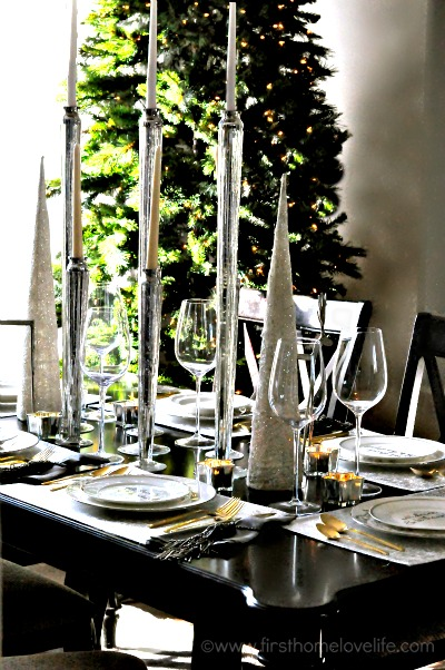 holiday dining room table setting via first home love life