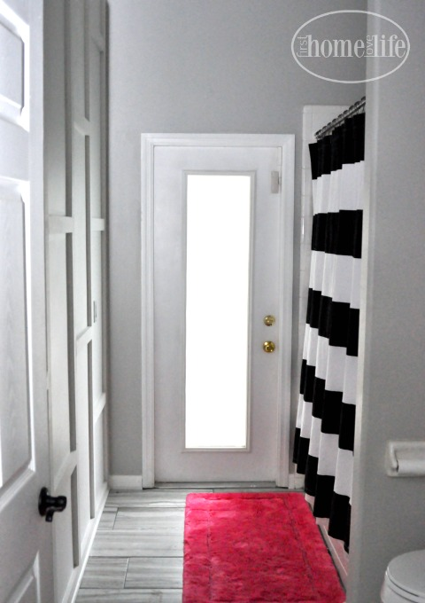 cool modern wall molding treatment via www.firsthomelovelife.com