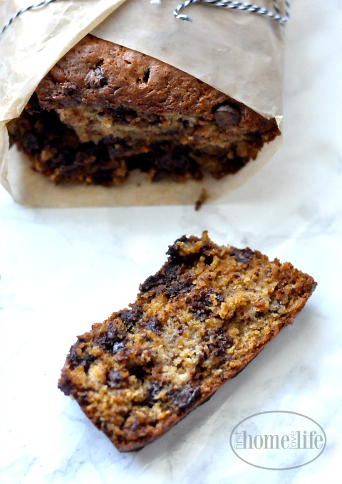 this-chocolate-chip-banana-bread-recipe-is-so-moist-and-delicious-it-will-be-your-new-favorite-banana-bread-recipe-via-firsthomelovelife-com