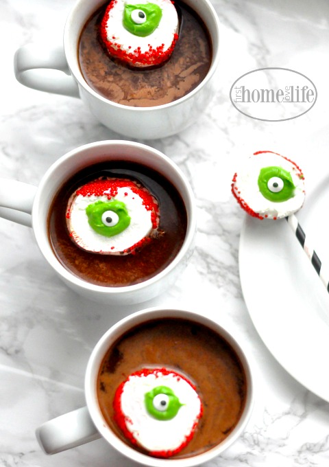 halloween treat idea for hot cocoa- marshmallow eyeballs via firsthomelovelife.com