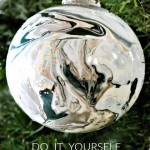 Dollar Tree DIY- Marble Ornaments using nail polish trick via firsthomelovelife.com